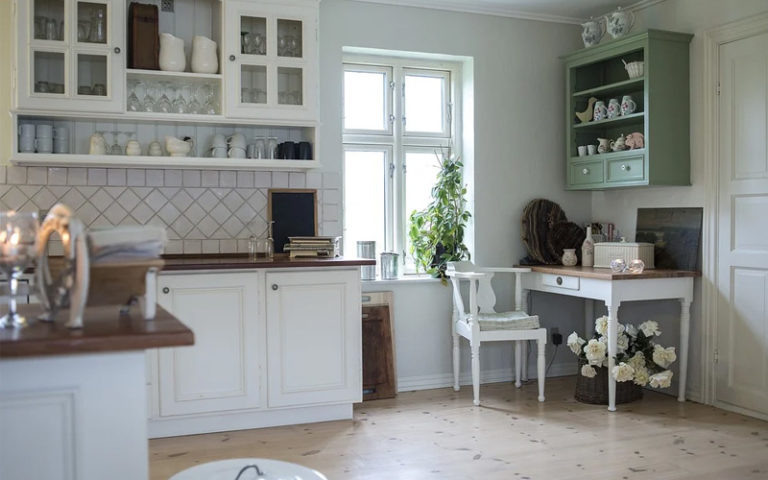 Eine Küche im Landhausstil verliert nie ihren Charme